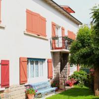 Hotel Pictures: La Maison des Chats, Saint-Mary-le-Plain