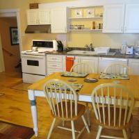 Hotel Pictures: Pleasant Street Suites, St. Johns