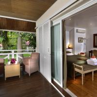 One-Bedroom Bungalow with River View