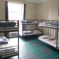 Bed in Dormitory Room with Private Bathroom (6 Adults)