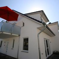 Hotel Pictures: Haus Möwe - FeWo 5, Thiessow