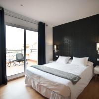 Double Room with Private Bathroom and Terrace