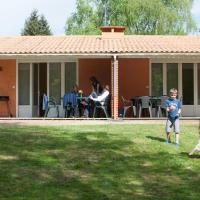 Hotel Pictures: Village Vacances du Puy d'Anché, Sauzé-Vaussais