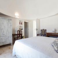 Three-Bedroom Trullo
