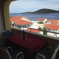 Comfort One-Bedroom Apartment with Balcony and Sea View (4 Adults)