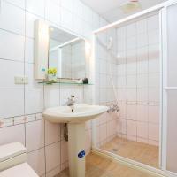 Quadruple Room with Public Bathroom