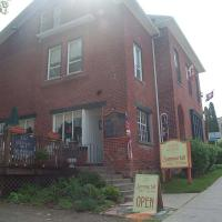 Hotel Pictures: Summerhill Bed and Breakfast - Tea Room, Port Hope