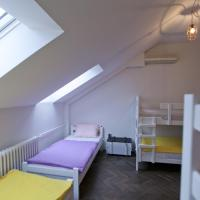 Bed in 6-Bed Mixed Dormitory Room with Private External Bathroom