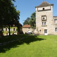 Hotel Pictures: Gite La Riviere, Calvignac