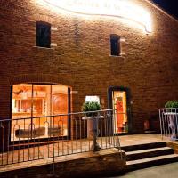 Hotel Pictures: Les Ecuries de la Tour, Mondonville