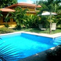 Hotel Pictures: Casa Calma Beachhouse, Puerto Coyote