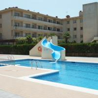 Two-Bedroom Apartment with Pool View (4 Adults + 2 Children)