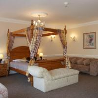Suite with Four Poster Bed with Spa Bath