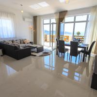 Deluxe Two-Bedroom Apartment with Terrace and Sea View