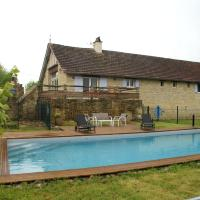 Hotel Pictures: Holiday Home La Metairie Basse, Parisot