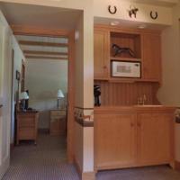 Queen Suite - 1st Floor