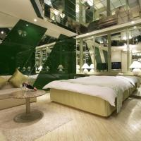 Large Double Room - Smoking