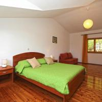Comfort One-Bedroom Apartments with Terrace with Garden View