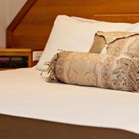 Hotel Pictures: Hilltops Retreat Motor Inn, Young