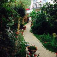 Fotos do Hotel: Guest House U Dmitriya, Olginka
