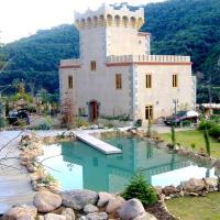 Hotel Pictures: Villa Chateau Blanc, Tossa de Mar