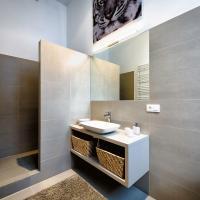 One-Bedroom Apartment First Floor