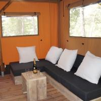Three-Bedroom Deluxe Cottage (8 Adults)