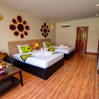 Deluxe Twin Room with Pool View - Free Airport Shuttle