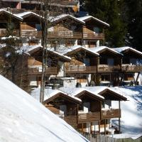 Hotel Pictures: Chalet Mulin Veder, Laax