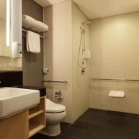 Standard Queen Room - Disability Access/Non-Smoking