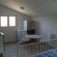 Two-Bedroom Apartment (2 levels)