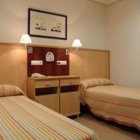 Hotel Pictures: Elder Tavernes Beach, El Brosquil