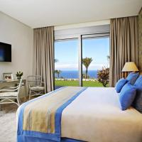 Luxury Five-Bedroom Suite with Sea View (10 Adults)