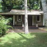 Cottage with Garden and Air Conditioning