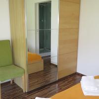 Hotel Pictures: Mikrohaus Apartment, Maria Ellend