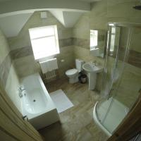 Double or Twin Room with Shared Bathroom Moel Findeg