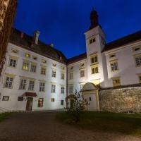 Hotel Pictures: Schlosshotel Krumbach, Krumbach Markt