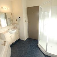 King Studio with Spa Bath