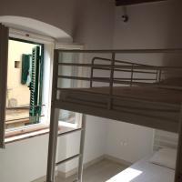 Two-Bedroom House Via D'Alarcon 44