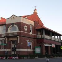 Hotel Pictures: The Bank B&B West Wyalong, West Wyalong