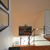 Superior One-Bedroom Triplex Apartment