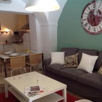 Hotel Pictures: Apartamentos Santiago BeHoliday, Cáceres