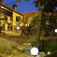 Hotel Pictures: Casa la Acacia, Frías de Albarracín