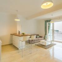 Comfort One Bedroom Apartment with Balcony and Sea View