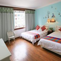Deluxe Family Room (2 Adults + 1 Child)