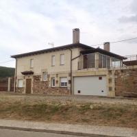 Hotel Pictures: Casa Rural los Robles, Rabanera del Pinar