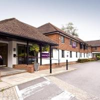 Hotel Pictures: Premier Inn Redhill Reigate, Salfords