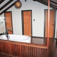 Searay Three-Bedroom Villa