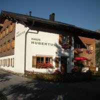 Hotel Pictures: Haus Hubertus, Warth