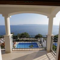 Three-Bedroom Apartment with Sea View and Shared Pool